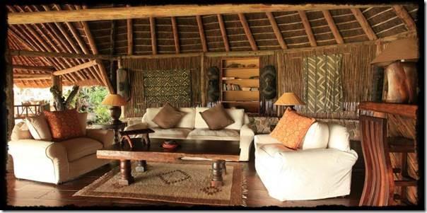 Apoka-Safari-Lodge-Main-Building