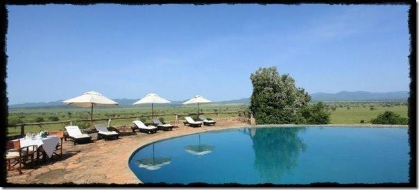 Apoka-Safari-Lodge-Swimming-Pool